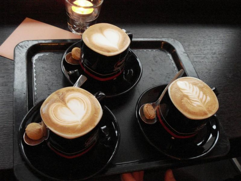 Three-Cappucchini