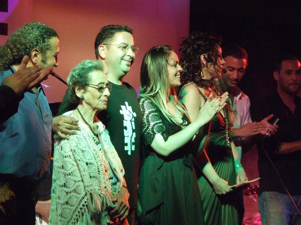 Beste Yarışması Final Sahnesinde `Kıbrıs Bir Ada mıdır Cennetten Parça mıdır ` şarkısının bestecisi Kamran Azizle