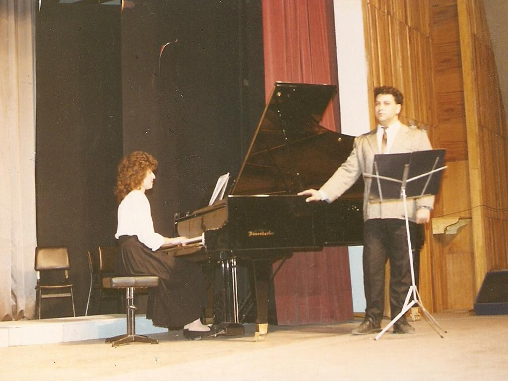 Küçük bir şan resitali  Eskişehir Anadolu Üniversitesi Salonu (1991)