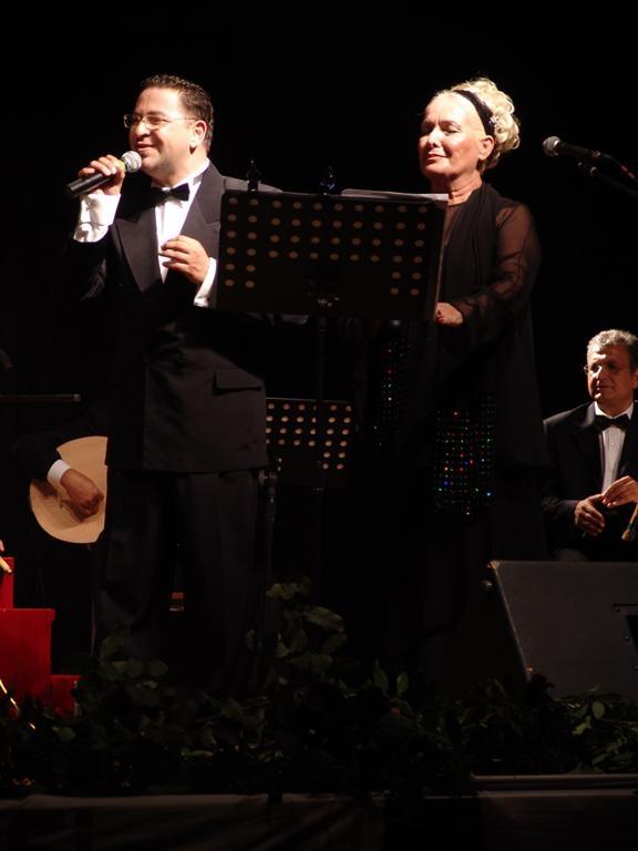 6. Uluslararası Zeytin Festivali (2007) Mihriban Sayınla Düet