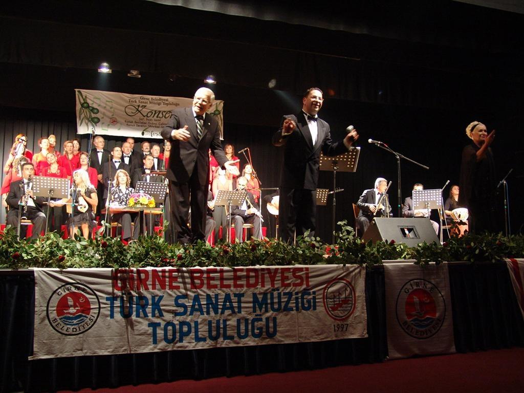 6. Uluslararası Zeytin Festivali Mihriban Sayın ve Erdinç Çelikkol ile (2007)