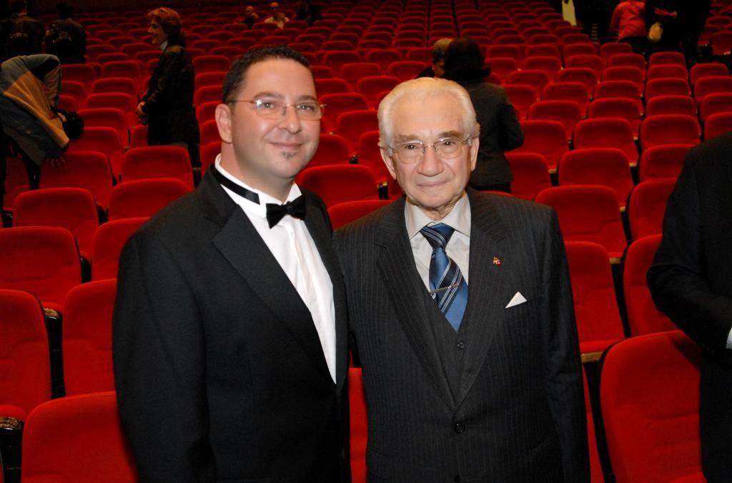 Avni Anılı Anma Konseri Sonrası Alaeddin Yavaşça yla 2009