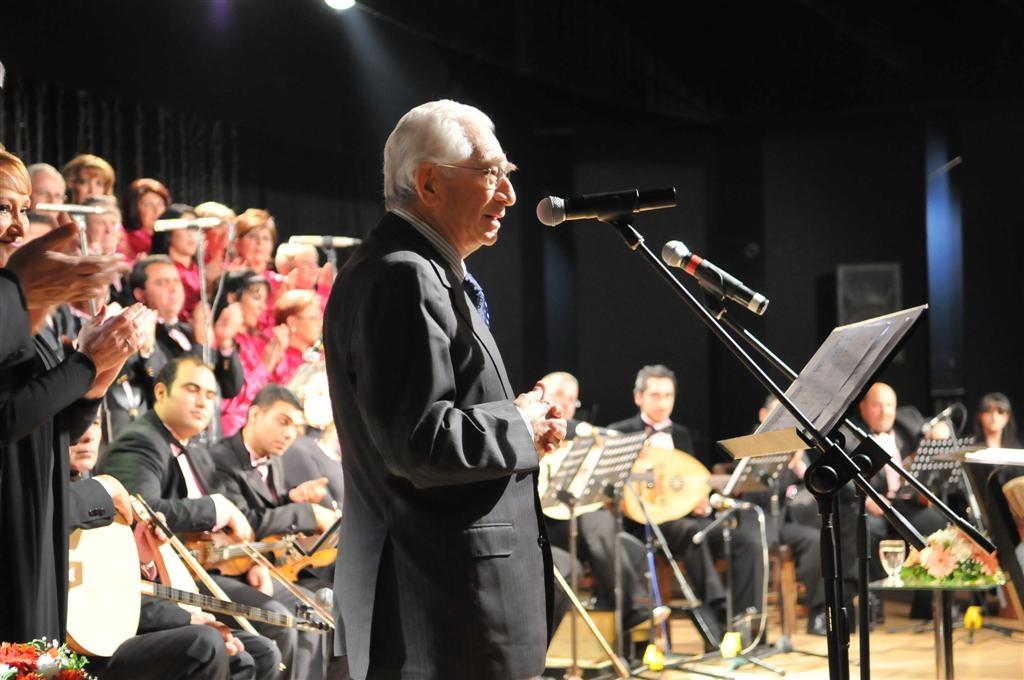 Avni Anılı Anma Konseri  Alaeddin Yavaşça (2009)
