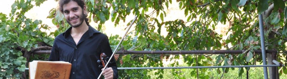 Andreas Lardis | The Fiddler of Love